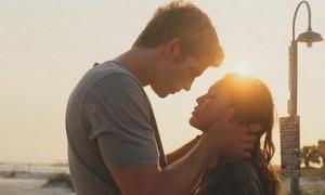 wpid-Liam-Hemsworths-movie-romance-lessons.jpg