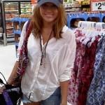 wpid-Miley-at-Walmart-in-Alabama.jpg